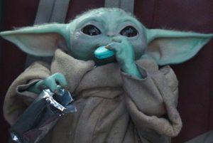 FUNKO POP de The Child con galleta de The Mandalorian Season 2 - Los mejores FUNKO POP de The Mandalorian de Star Wars